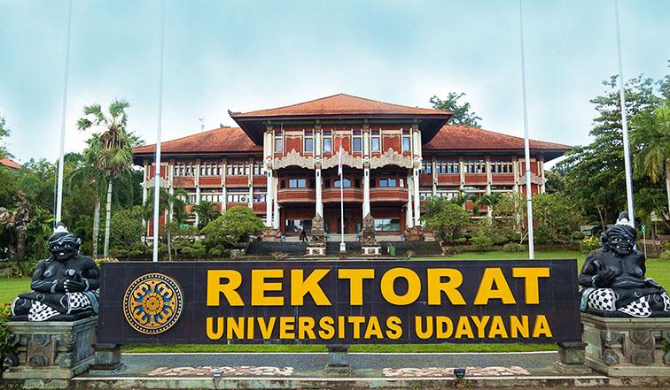 unud1 - Universitas Udayana Lepas 670 Wisudawan Secara Daring