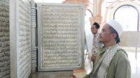 Nur Hidayat Siba, perajin pahat kaligrafi,
